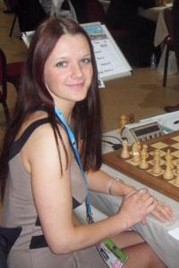 monika84 - я играл с ней в шахматы и даже немного подружился...